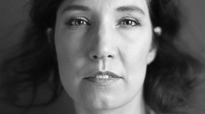 Zwart-wit-fotograaf-den-bosch-analoge-portret-fotografie